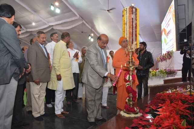 "THE unveiling of eight feet tall statue of Swami Vivekananda ""YUVANAND 2016"""