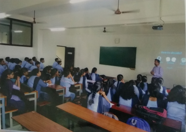 activity_photos_competitive_exam_club_04